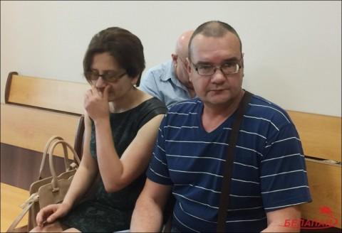 Родители погибшей школьницы в суде
